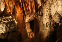 Discovering The Hidden Charms Of The Jenolan Caves In Sydney