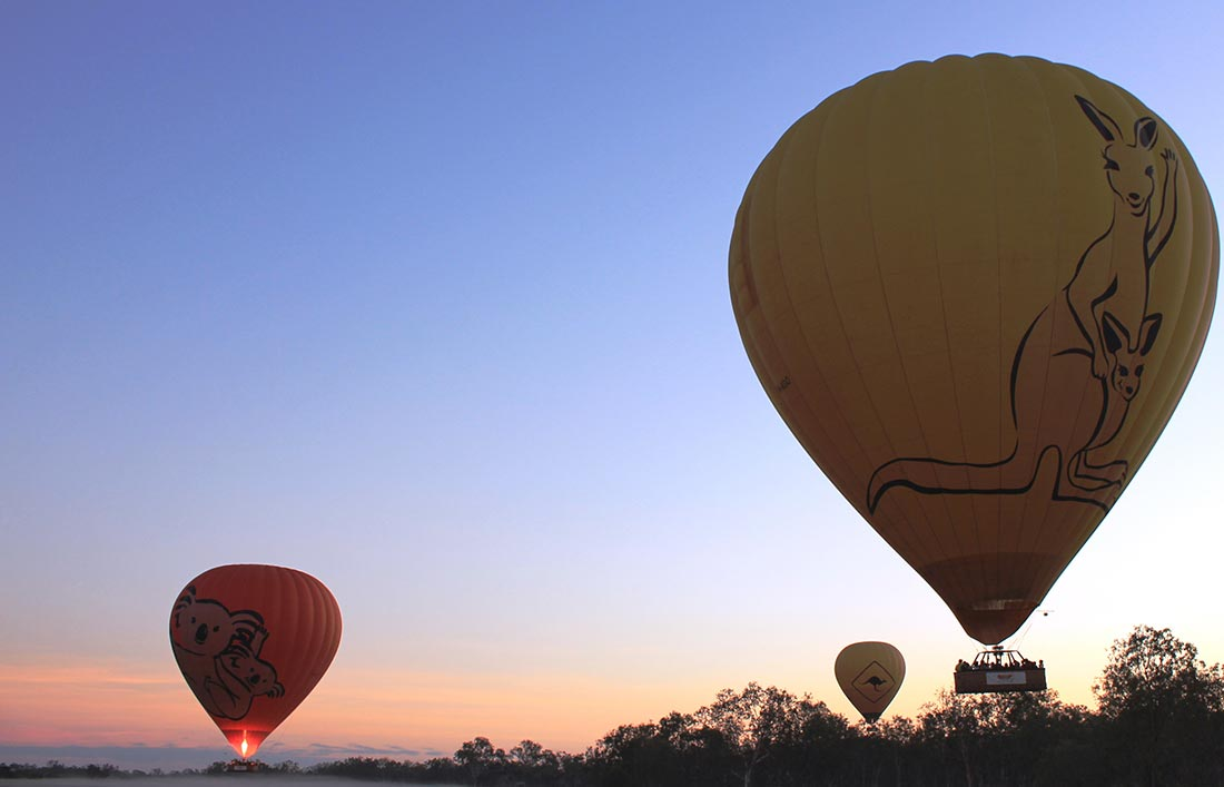 hot air ballooning in Cairns
